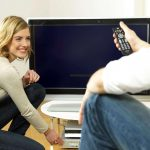 Bei der Suche nach energieeffizienten Fernsehern und anderen Haushaltsgeräten hilft neben dem EU-Energieeffizienzlabel die Topgeräte-Datenbank auf www.stromeffizienz.de. djd/Initiative EnergieEffizienz, dena